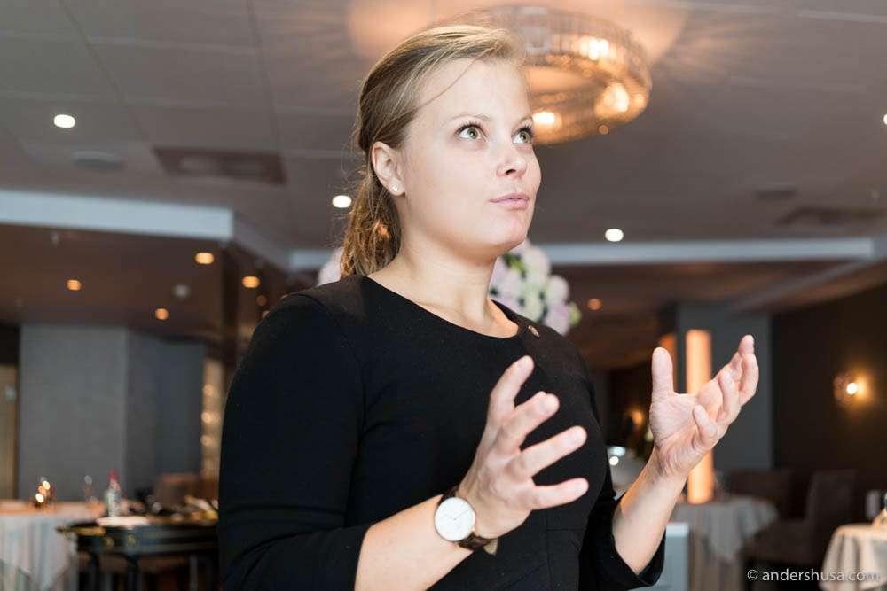 Head sommelier at restaurant À L'aise – Natalie Jansen