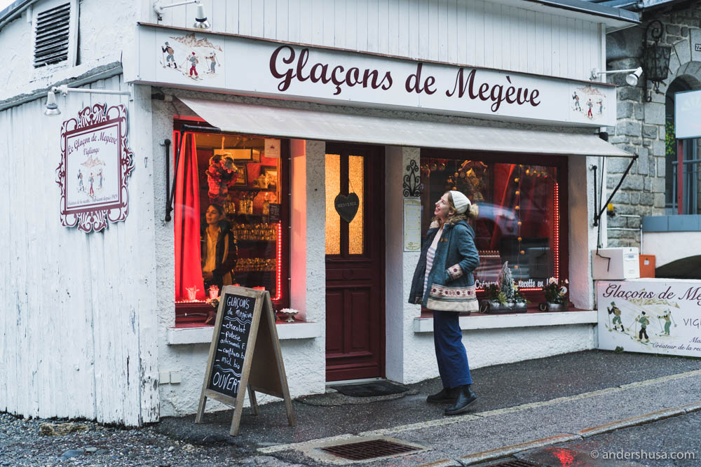 Look at this cute little store – Glaçons de Megève