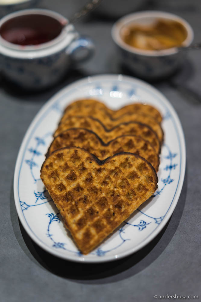 Will the Chinese get to taste Norwegian waffle with brown cheese?