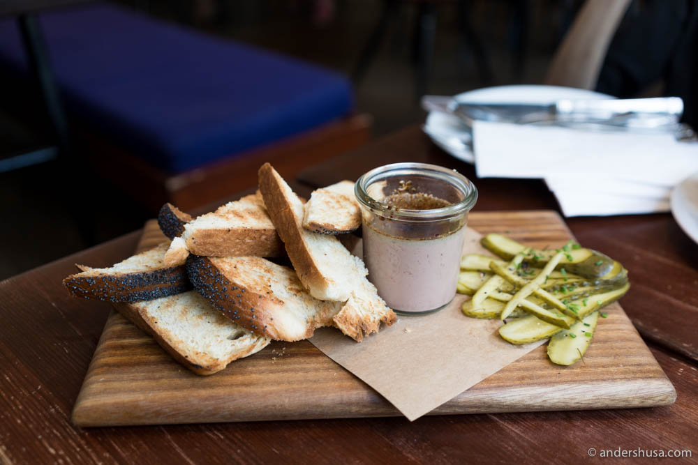 Chicken liver brûlée, toast and pickles