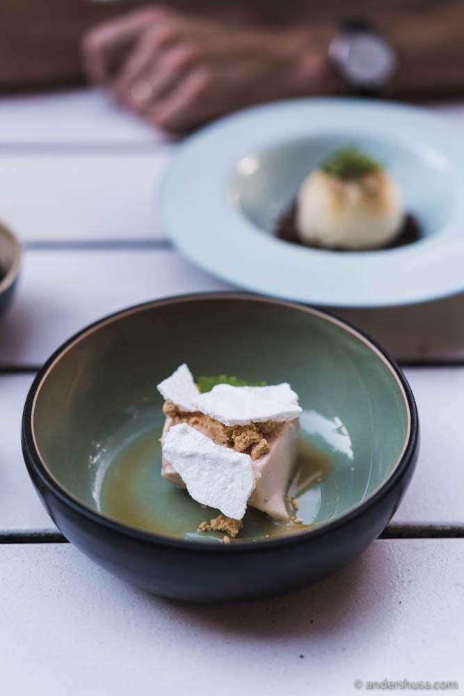 Rhubarb ice cream, yogurt meringue & beer caramel