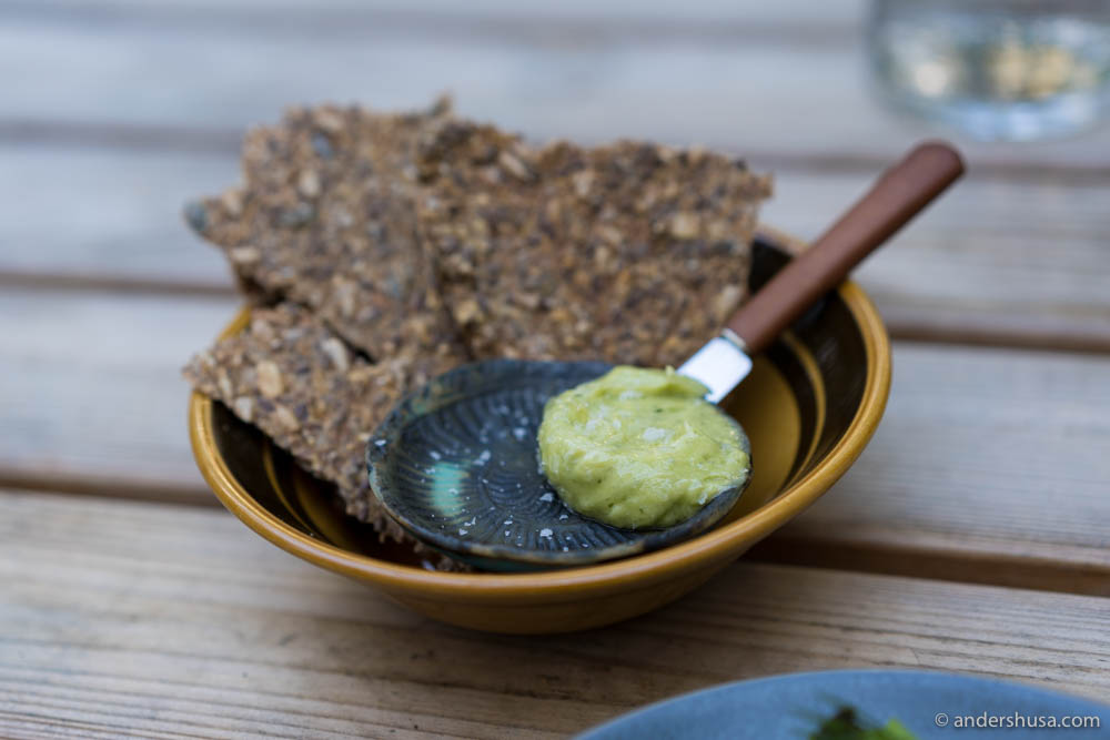 Crispbread with salty ramson butter