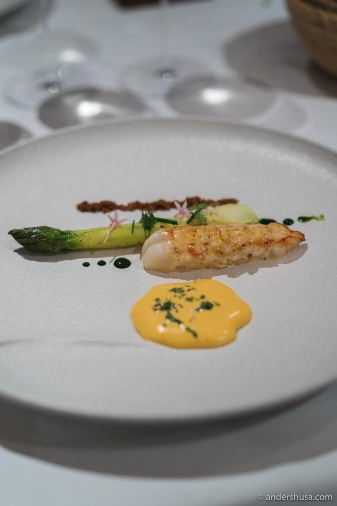 Roasted langoustine, green asparagus & brown butter hollandaise