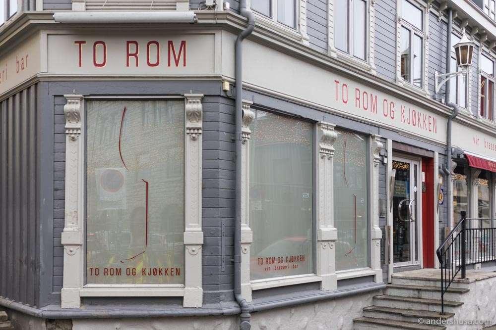 To Rom og Kjøkken.