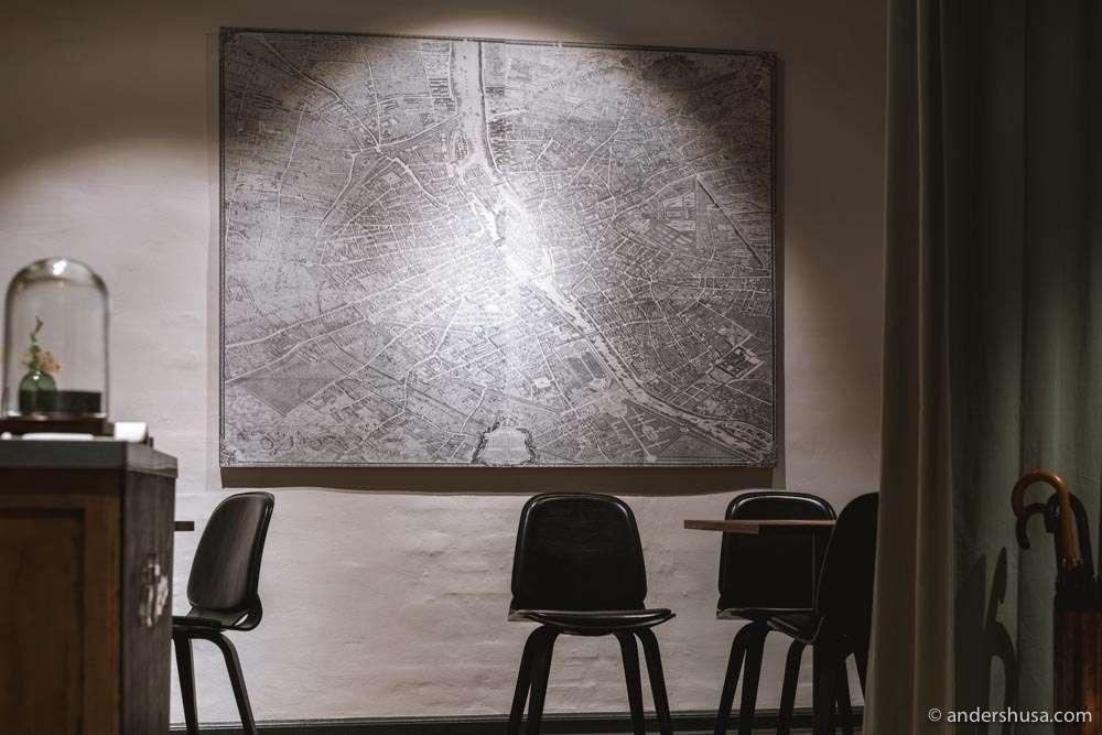 A map of Paris sets the scene.
