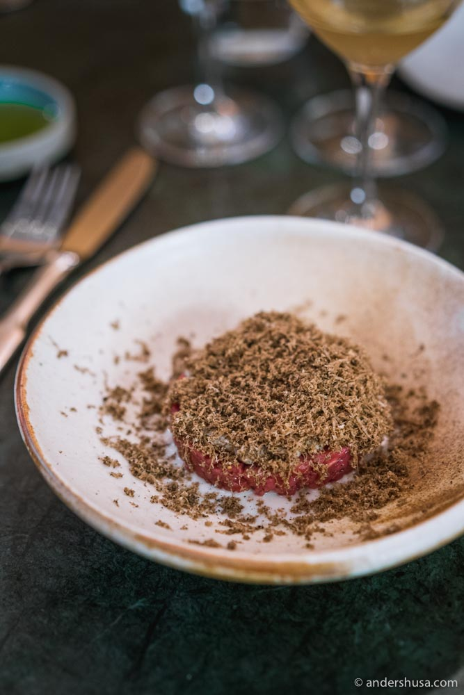 Beef tartare with chestnut cream and black truffle