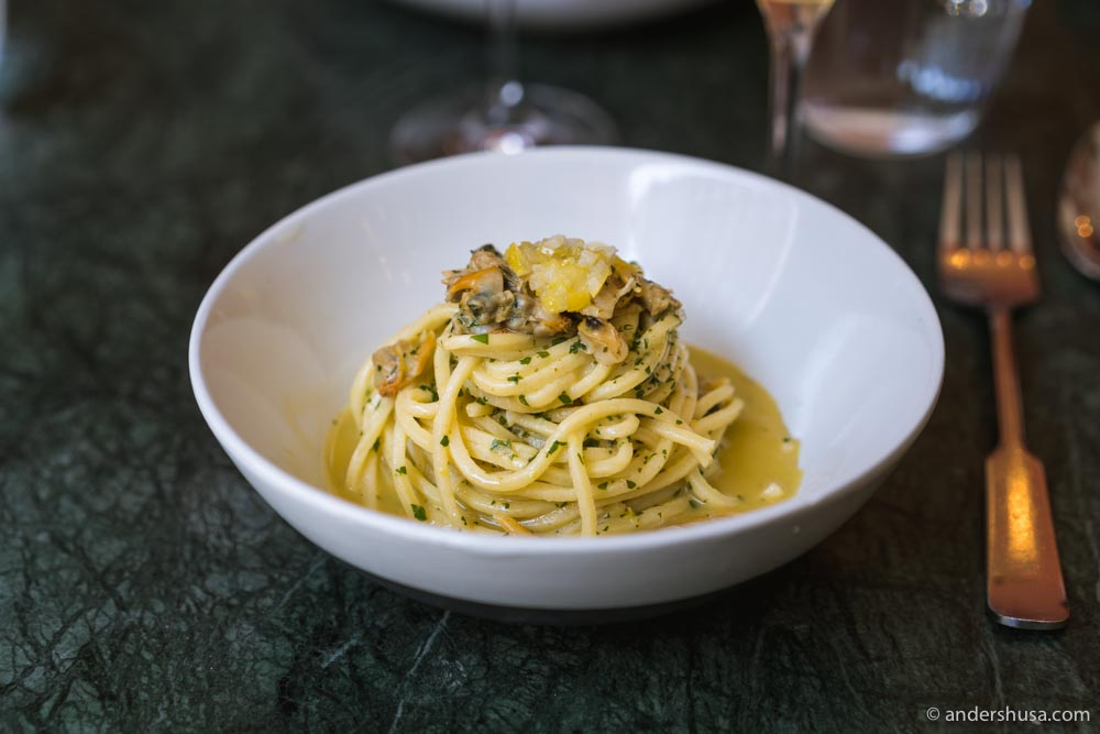 Spaghettoni with mussels and candied lemon confit.