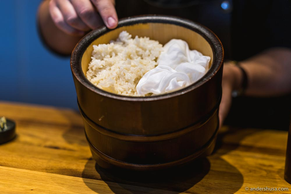 Chef José prepares two types of rice with salt and vinegar from different parts of Japan.