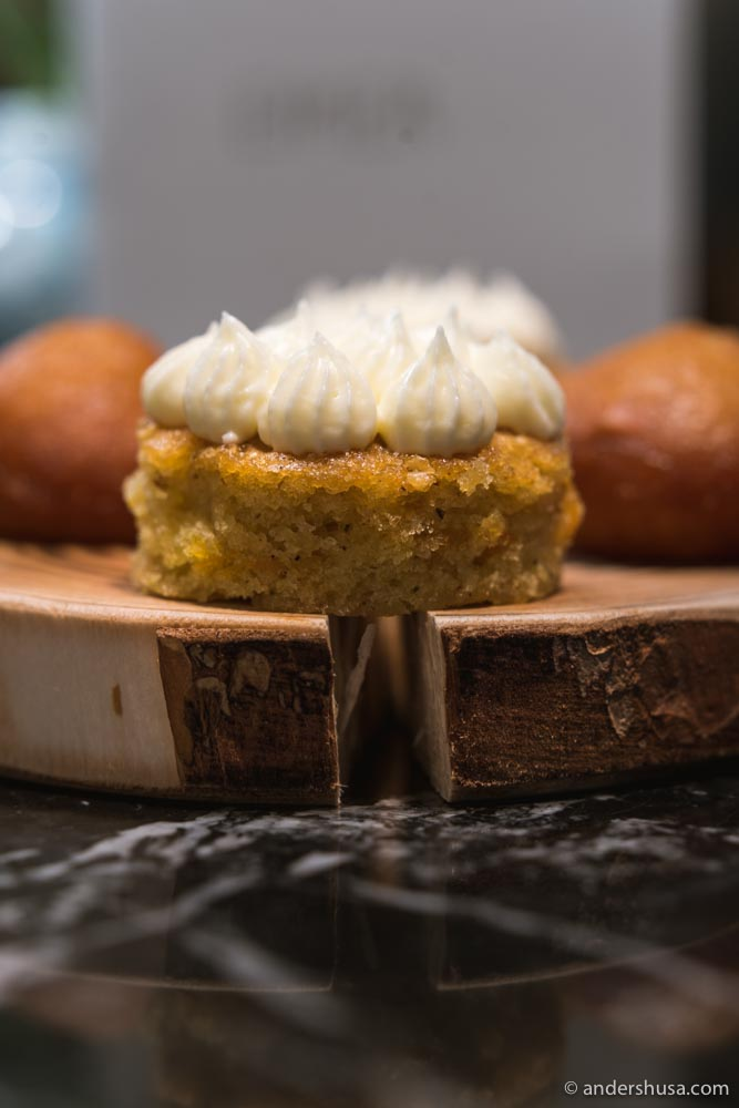A close up with the juniper carrot cake!