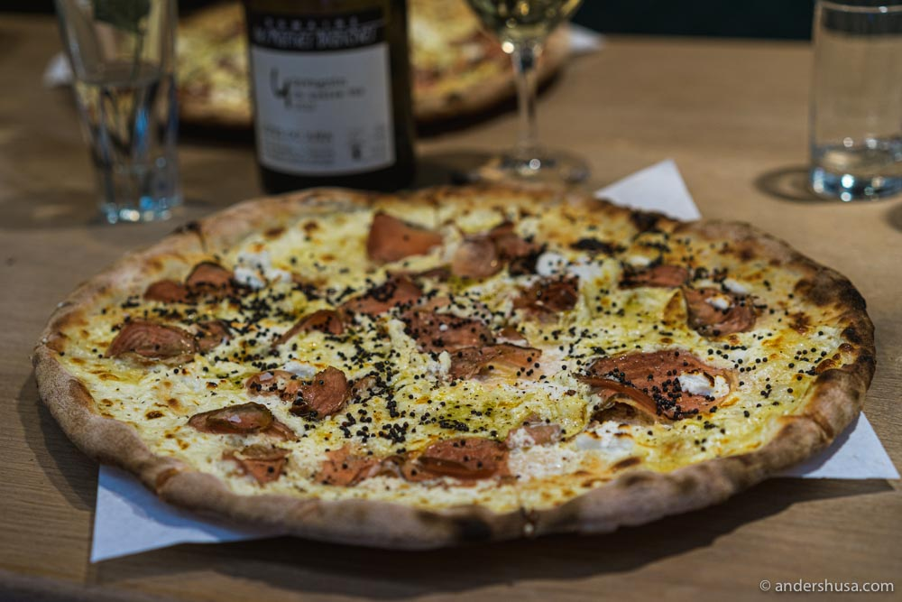 Hedvigsdal Pizza serves crispy, wood-fired pizzas.