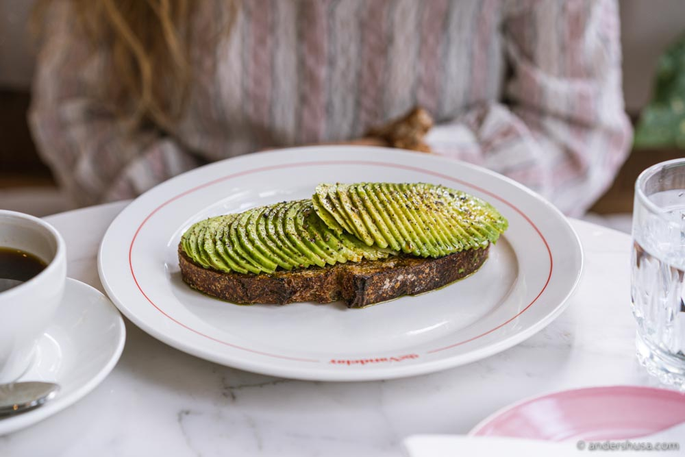 The avocado toast pairs perfectly with the Instagram-friendly dining room.
