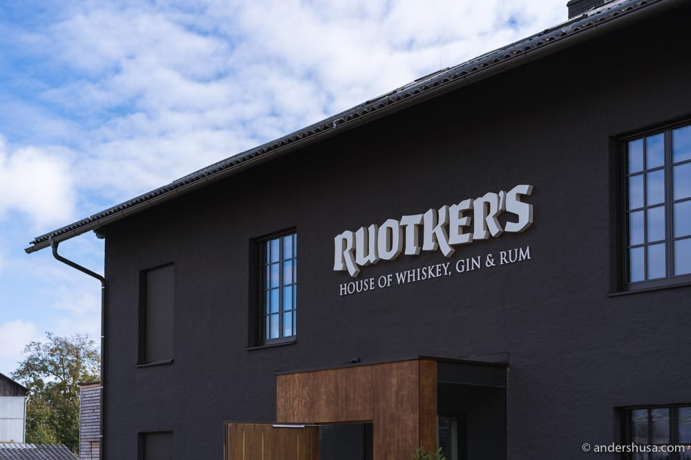 Ruotker's is a tasting room of Austrian craft whiskey, gin, and rum.