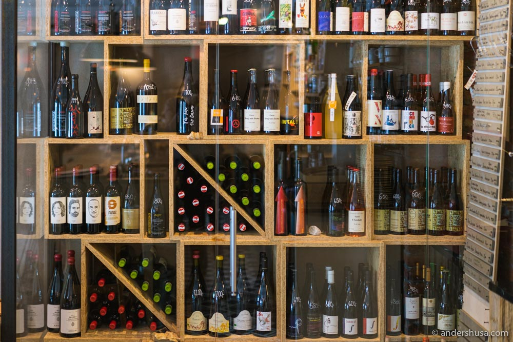 Smalhans was one of the first restaurants in Oslo to serve only natural wines.